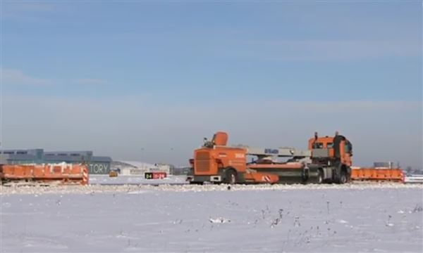 Snow clearing  Warsawa Airport